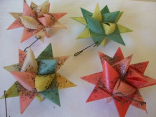 4 colored stars